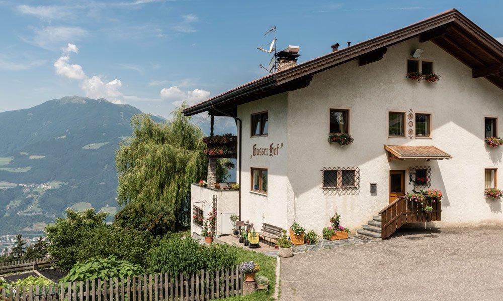 In gut ausgestatteten Gästezimmern im Gasserhof einen tollen Urlaub erleben